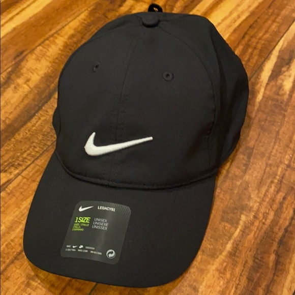 Nike Golf baseball cap NWT